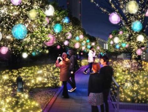 ゴールドの森に上品なマカロン globe が浮かび上がるロマンティック空間~新宿サザンテラス 小道~