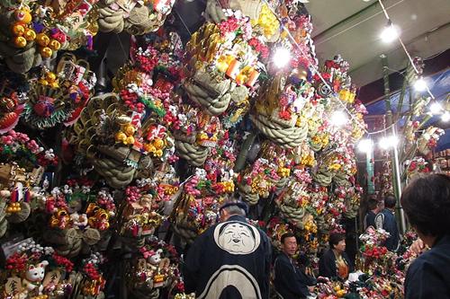 大國魂神社  縁起熊手を売る露店 写真はJipanguguru
