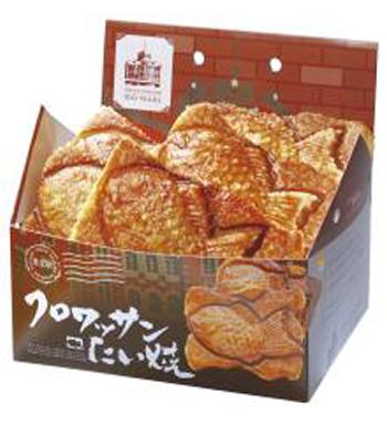 築地 銀だこキッチンの「クロワッサンたい焼丸の内駅舎BOX」1,100 円