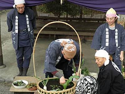 ジャンボ七草籠制作(昨年の様子)