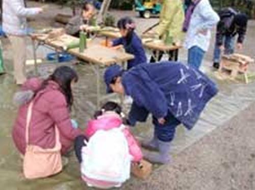 竹細工づくり(昨年の様子)