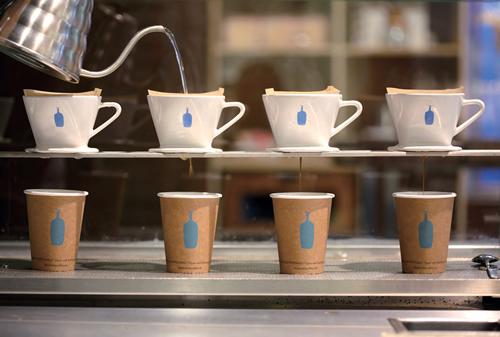米西海岸の人気カフェ「ブルーボトルコーヒー」が日本初上陸、2月オープン