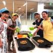 美味しいお好み焼きの作り方を伝授!オタフクソース主催の「お好み焼き教室」が人気-江東区