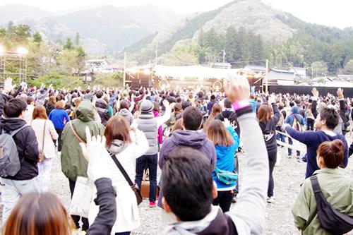 昨年、秋川渓谷でおこなわれた野外音楽フェスティバル