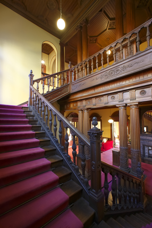 本格的なヨーロッパ式邸宅で近代日本住宅を代表する西洋木造建築