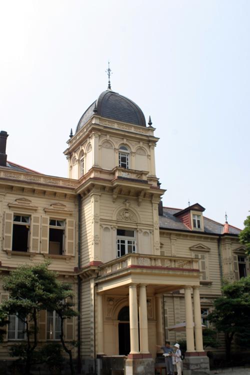 三菱創設者・岩崎家本邸として建てられた