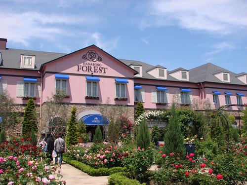 バウムクーヘンやケーキなど7つのスイーツ専門店「花園フォレスト」