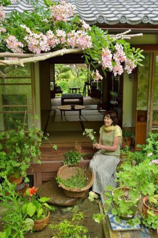 ©梶山正/「ベニシアの庭づくり ハーブと暮らす 12 ヶ月」 ベニシア・スタンリー・スミス氏