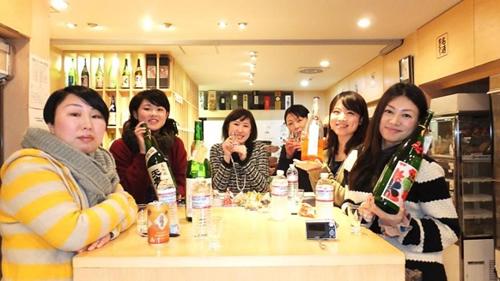 運営のウイメンズ日本酒会メンバー  画像:ウイメンズ日本酒会サイト