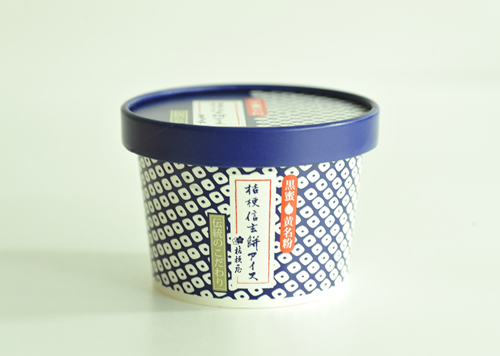 黒蜜ときな粉たっぷりの信玄餅をアイスにした「桔梗信玄餅アイス」