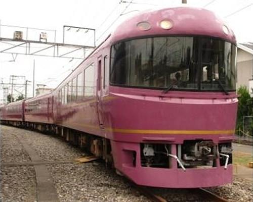 JRのお座敷列車「宴」