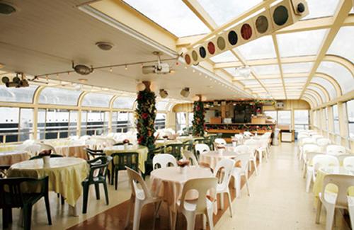 潮風を感じながら横浜港のパノラマビューが楽しめる オープンデッキ