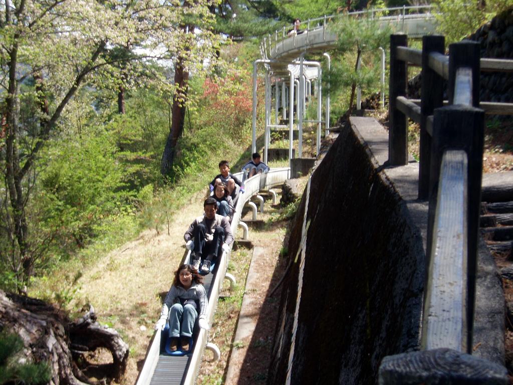 元日本一!全長247m「丹波山村営ローラーすべり台」