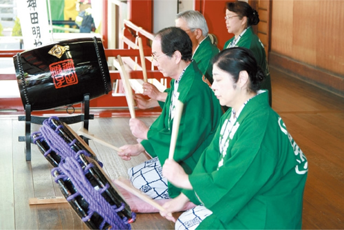 神田囃子保存会による東京都指定無形文化財の「神田囃子奉納演奏」