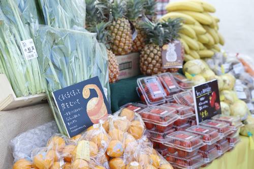 マーケットでは、関東近県のオーガニック野菜や産直野菜も