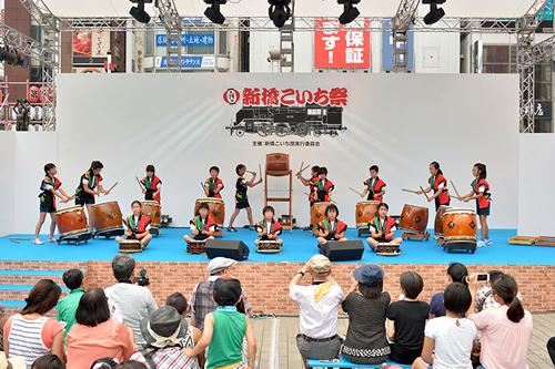 地元小学校 太鼓クラブによる演奏