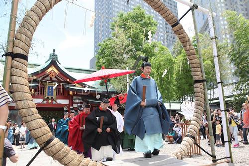 「大祓 茅の輪くぐり-山王御祓並鎮火祭」は、6月14日(日)の15時から執り行われる
