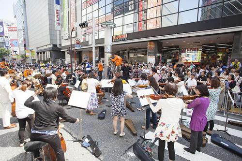東京フィルハーモニー交響楽団による演奏(第1回「SHIBUYA ルネッサンス」より)