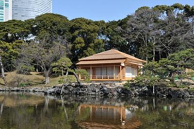 江戸時代に創建され、今回復元された「燕の御茶屋」外観