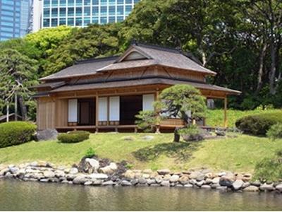 2010年(平成22年)に復元した「松の御茶屋」