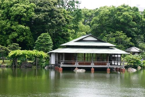 東京都選定歴史的建造物に指定された「涼亭」