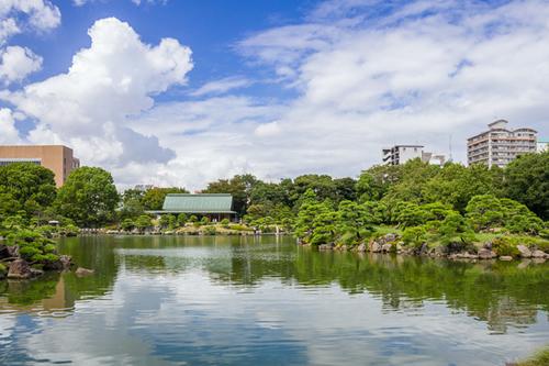 清澄庭園「花菖蒲と遊ぶ」が6月13日~21日開催 - 初夏の庭園をのんびり散策