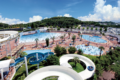 5つのプールと3種のスライダーが人気!「よみうりランド プールWAI」が7月1日(水)オープン