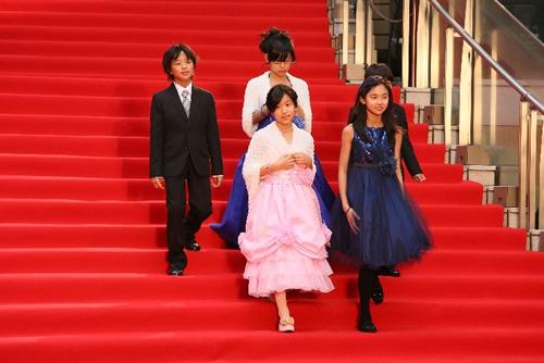 10月開催の東京国際映画祭にキンダー審査員としてレッドカーペットに参加