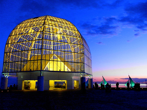 幻想的な夜の葛西臨海水族園