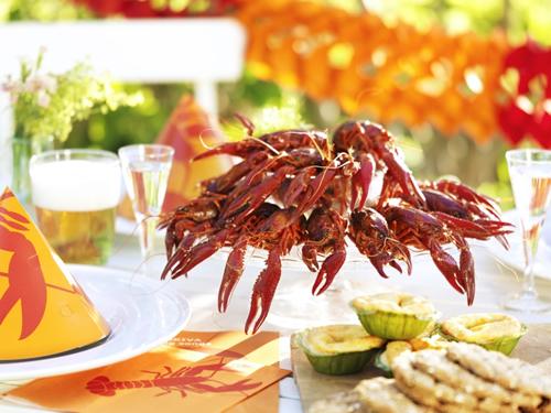 珍味として評判の高かったスウェーデン産ザリガニは、19世紀当時ヨーロッパの高級レストランで人気を呼び、大量に捕獲・輸出されていた