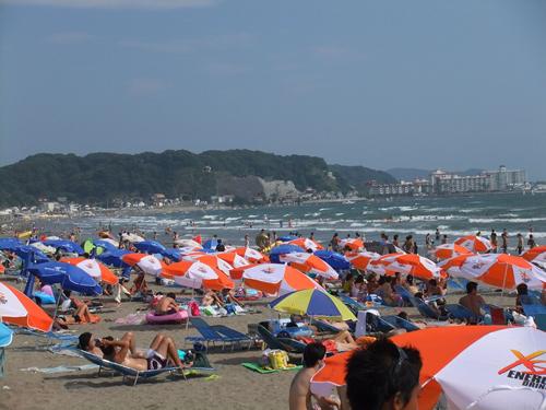 湘南の人気海水浴場その1は由比ヶ浜海水浴場