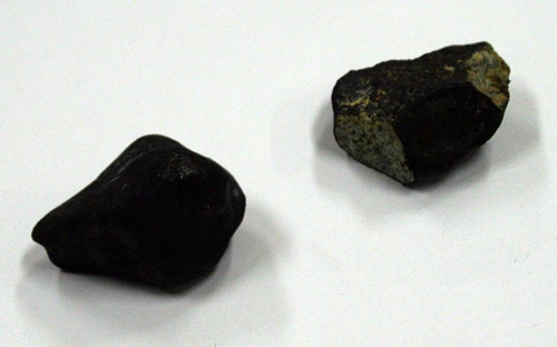 チェリャビンスク隕石(同館蔵)