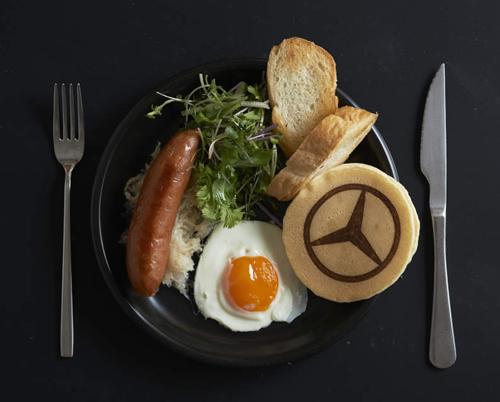 「Mercedes me Tokyo HANEDA」限定、「Mercedes me」コラボレーションプレート「スタープレート」