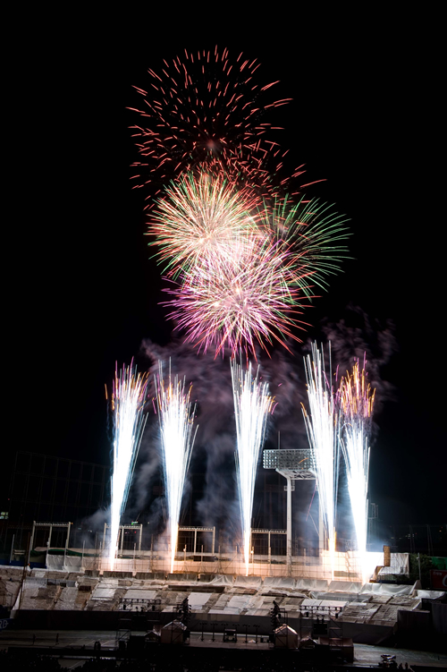 神宮の夜空に10,000発の花火!「2015 神宮外苑花火大会」が8月11日(火)に開催