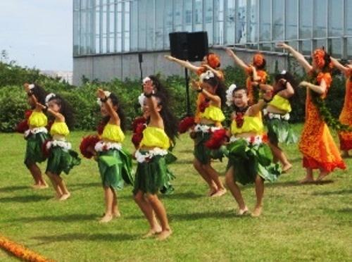 葛西臨海公園で「サマーフェスティバル 2015」が8月23日(日)に開催 - フラダンスや水鉄砲作りなど