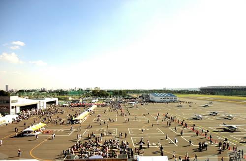 調布飛行場まつり過去の開催風景