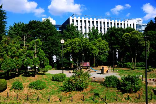 戸山公園 ©一般社団法人新宿観光振興協会