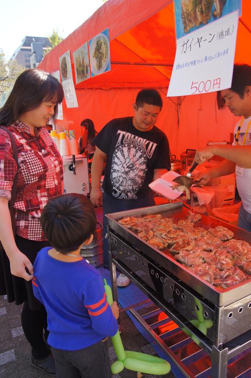 タイやミャンマーの名物ガイヤーン ガイは鶏、ヤーンは焼くという意味