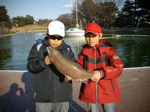約40cm 以上の魚を中心に放流する大物が狙える特設エリアを新設