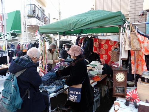 古着を売る露店 画像:©世田谷区
